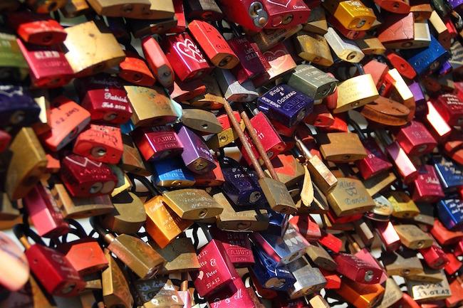 padlocks-337569_960_720